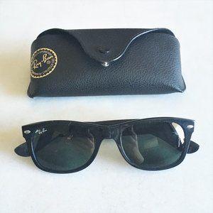New! Rayban New Wayfarer sunglasses with case